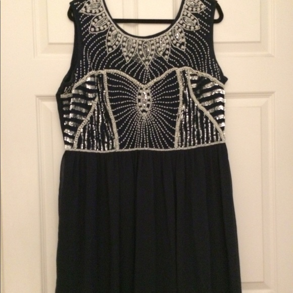 Lovedrobe Dresses & Skirts - Plus size Formal, long navy and sequined dress.